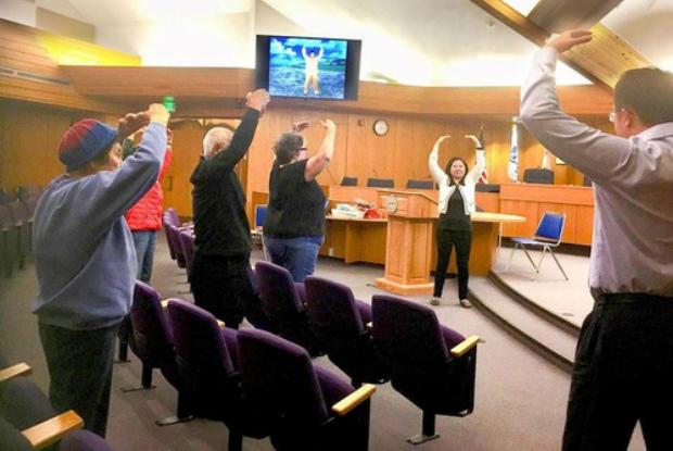 Participantes de oficina experimentam poder dos exercícios do Falun Gong