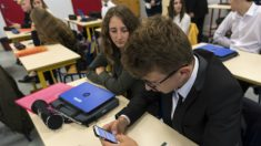 Parlamento francês proíbe uso de telefones celulares nas escolas