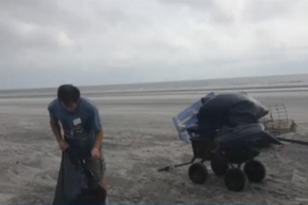 Quase três décadas atrás, ela jogou uma mensagem no oceano. Depois de um furacão, algo melhor retornou!
