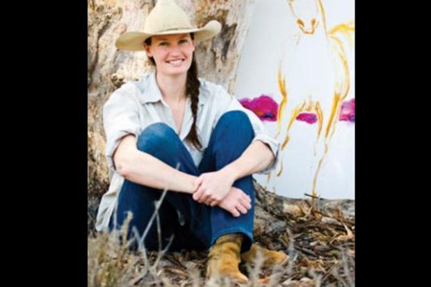 Suas pinturas de cavalos trazem felicidade. Conheça segredo do sucesso de renomada pintora de cavalos!