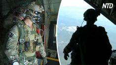 Forças especiais se preparam para vôo de alta altitude – mas quando abrem a escotilha traseira, é insano