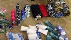 Homem compra mochilas e produtos de higiene para moradores de rua