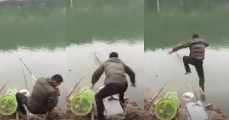 Peixe rouba vara de pescador quando ele acende o cigarro – por essa ele não esperava!
