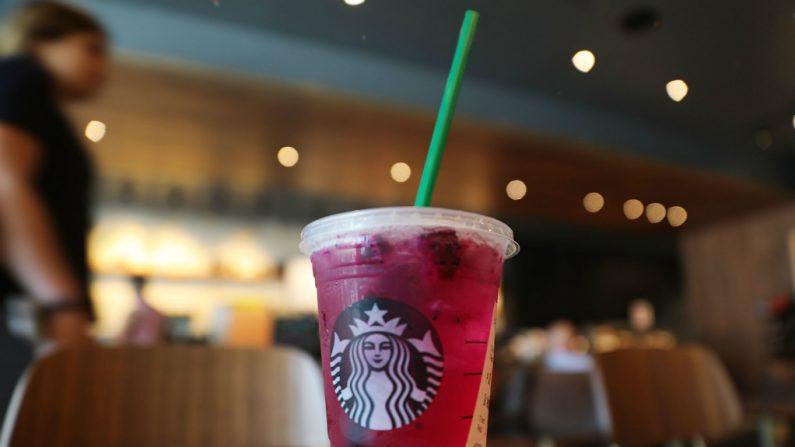 Starbucks deixará de usar canudinhos de plástico até 2020 em nível mundial