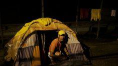 Moradores de Pacaraima expulsam imigrantes venezuelanos após onda de violência