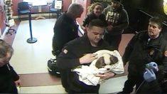 Resgate dramático: policiais e bombeiros se unem para salvar filhote de cachorro que sufocava