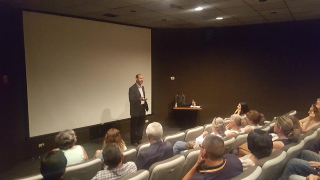 """Dr. Rafael Maurizio Cruzmanjarrez, presidente da Honorável Faculdade de Advogados de Tijuana, durante apresentação do documentário """"China livre: a coragem de crer"""", no Centro Cultural de Tijuana no sábado, 18 de agosto de 2018"""