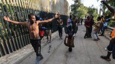 Usando ácido, cal e fezes, grupo de 200 imigrantes invade Ceuta e fere 7 guardas espanhóis