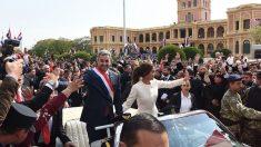 Mario Abdo Benítez toma posse como novo presidente do Paraguai