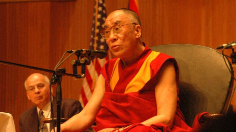Dalai Lama reconhece estar ciente de abusos sexuais desde os anos 90
