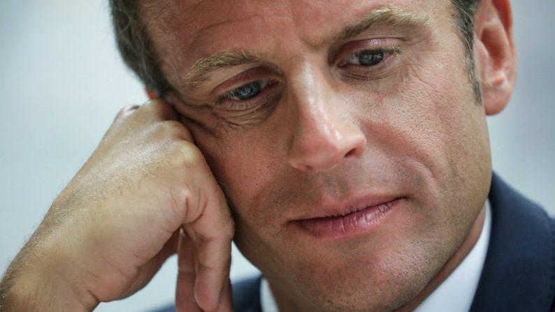 Popularidade de Macron afunda a nível inferior a de Hollande