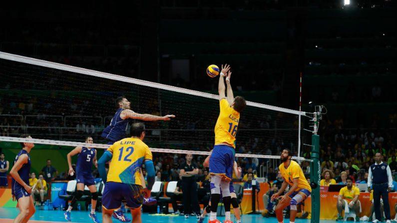 De virada, Holanda põe fim à invencibilidade do Brasil no Mundial de vôlei