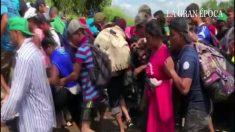Migrantes cruzam México sob promessa de pedir refúgio, mas não cumprem e se juntam à segunda caravana (Vídeo)
