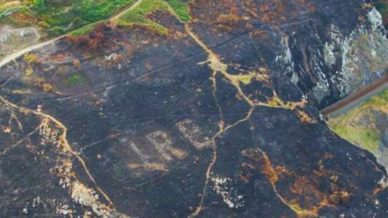 Testemunhas costeiras da Irlanda encontram incríveis geoglifos revelados por incêndios florestais