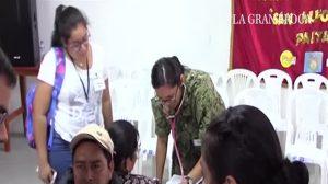 Migrantes venezuelanos no Peru recebem atendimento médico a bordo do navio US Comfort, dos EUA (Vídeo)