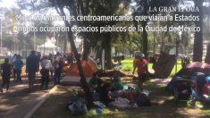 Caravana de migrantes descansa no estádio da Cidade do México