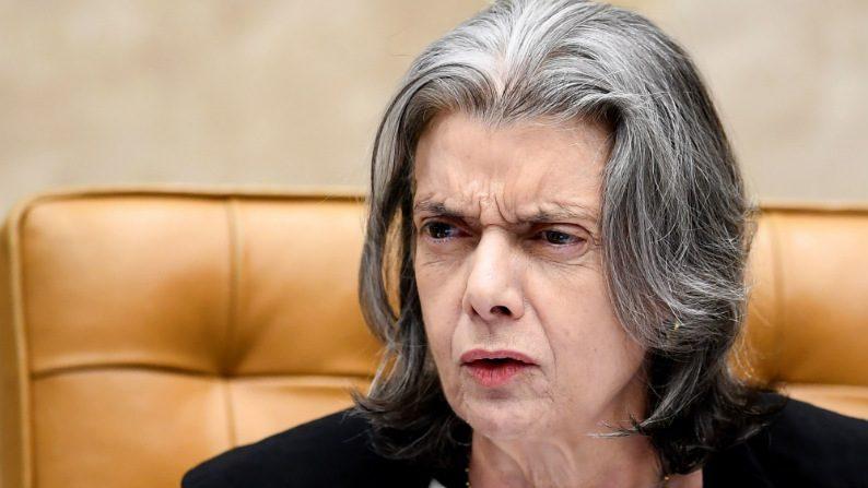 """Ministra do STF reclama de """"mudança perigosamente conservadora"""""""