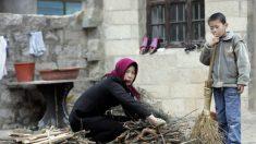 Chineses são proibidos de usar carvão e queimam móveis para se aquecer no norte gelado