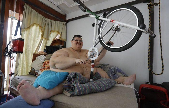 Banda gástrica é colocada no homem mais obeso do mundo para melhorar sua saúde
