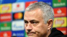 Manchester United demite técnico José Mourinho e rumores sobre o substituto não param