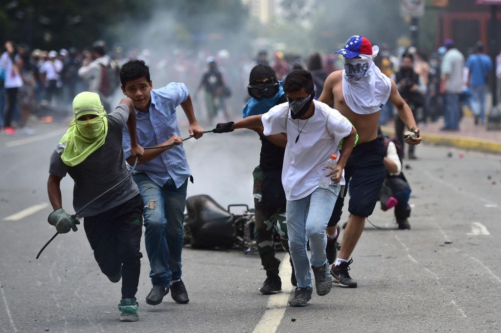 Protestos contra a ditadura venezuelana resultaram em muitas mortes e a tendência de a situação piorar é alarmante(Getty Images)