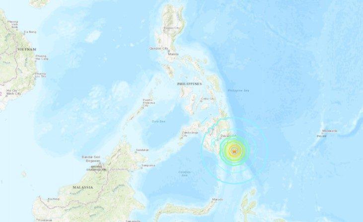 Terremoto de magnitude de 6,9 atinge Filipinas, previsões de tsunami retiradas após 2 horas