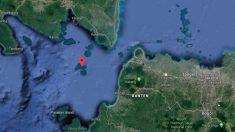 Tsunami na Indonésia deixa pelo menos 43 mortos e cerca de 600 feridos