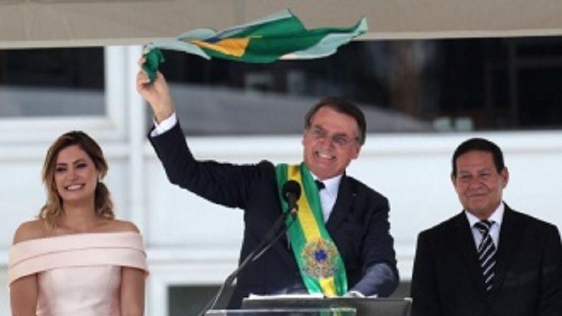 Bolsonaro desautoriza Mourão e expõe distanciamento entre os dois