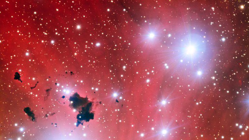 Astrônomos recebem sinais de rádio repetitivos de milhões de anos-luz de distância