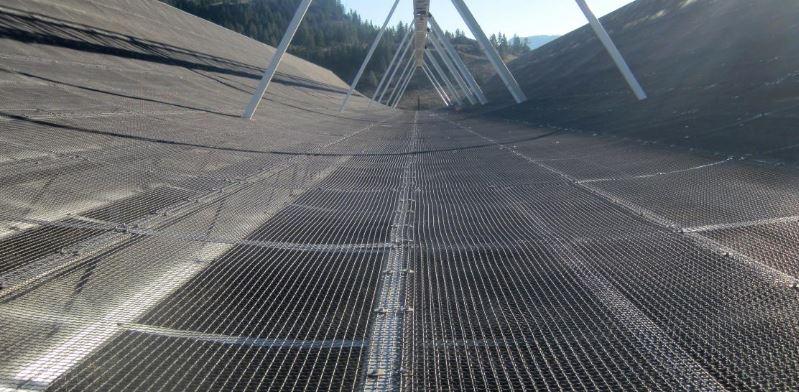 Radiotelescópio Chime (Universidade da Colúmbia Britânica)