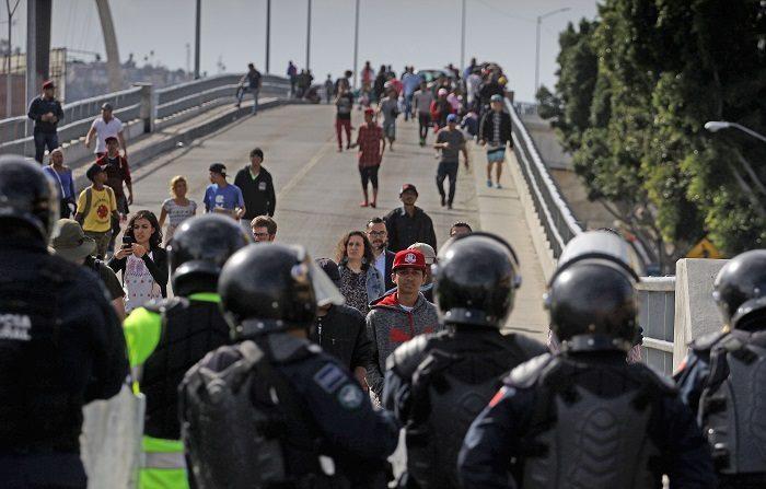 Caravana de migrantes: uma ferramenta de instabilidade que continua a ser usada porque funciona