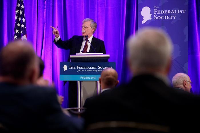 Conselheiro de Segurança Nacional da Casa Branca, John Bolton, discursa durante almoço da Sociedade Federalista, em Washington (EUA), em 10 de setembro de 2018 (Arquivo Agência EFE)
