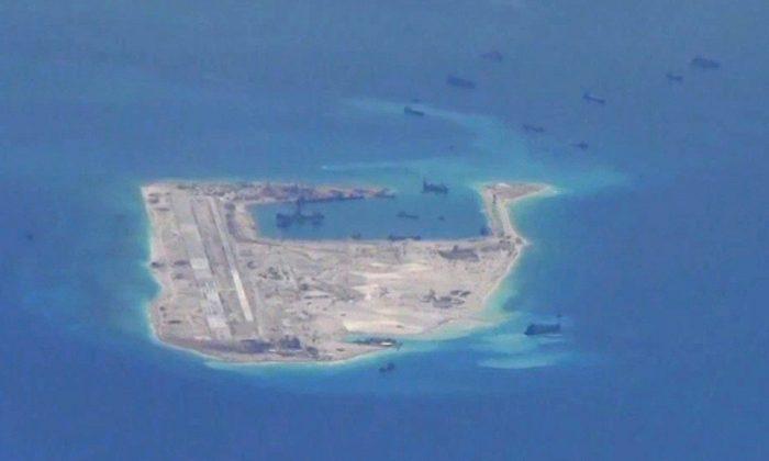 Destróiers dos EUA navegam no disputado mar da China Meridional em meio a tensões comerciais