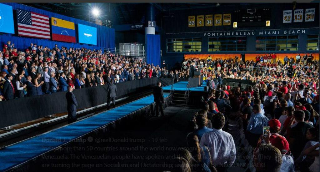 Presidente Donald Trump em seu discurso para a comunidade venezuelana na Universidade Internacional da Flórida em Miami em 18 de fevereiro (Captura de tela)
