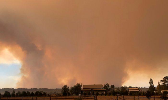 Incêndio recorde atinge Austrália após onda severa de calor