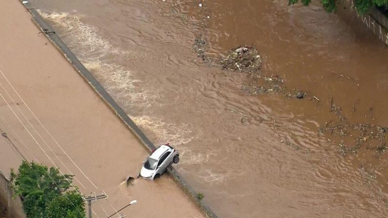 Chega a 12 número de mortos em temporal em São Paulo