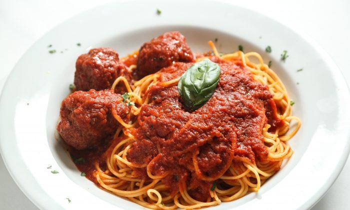 Prefeito de Bolonha ataca o espaguete à bolonhesa e afirma que 'na verdade ele não existe'