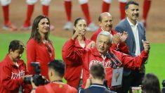 López Obrador é vaiado em abertura de estádio e diz que ninguém vai detê-lo