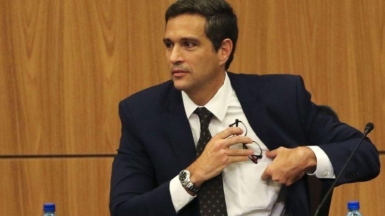 Campos Neto defende ampliação do mercado de capitais e autonomia do BC