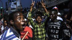 Manifestantes sudaneses exigem transição para governo civil