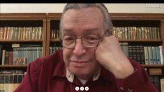 """""""Professora"""" de cursinho chama Olavo de Carvalho de anta e leva lição de moral de aluna (Vídeo)"""