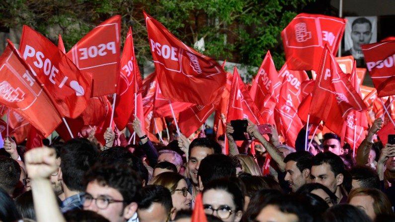 PSOE vence eleições na Espanha, mas precisará de alianças para formar governo