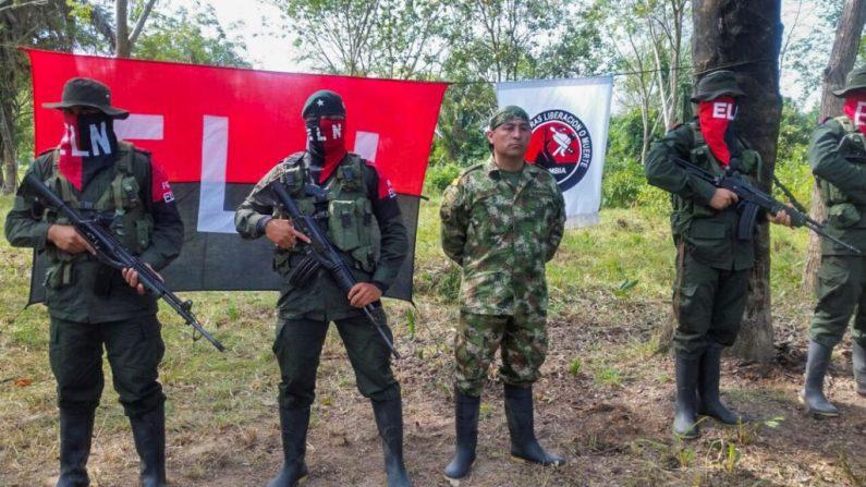 Grupo guerrilheiro ELN comanda Guarda Nacional de Maduro na fronteira com a Colômbia