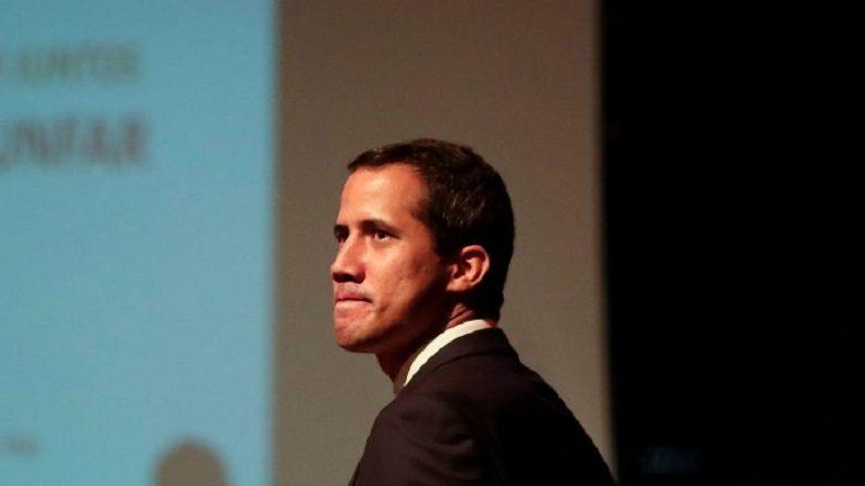 """Guaido diz que agentes de inteligência da Venezuela """"sequestraram"""" o vice-presidente"""