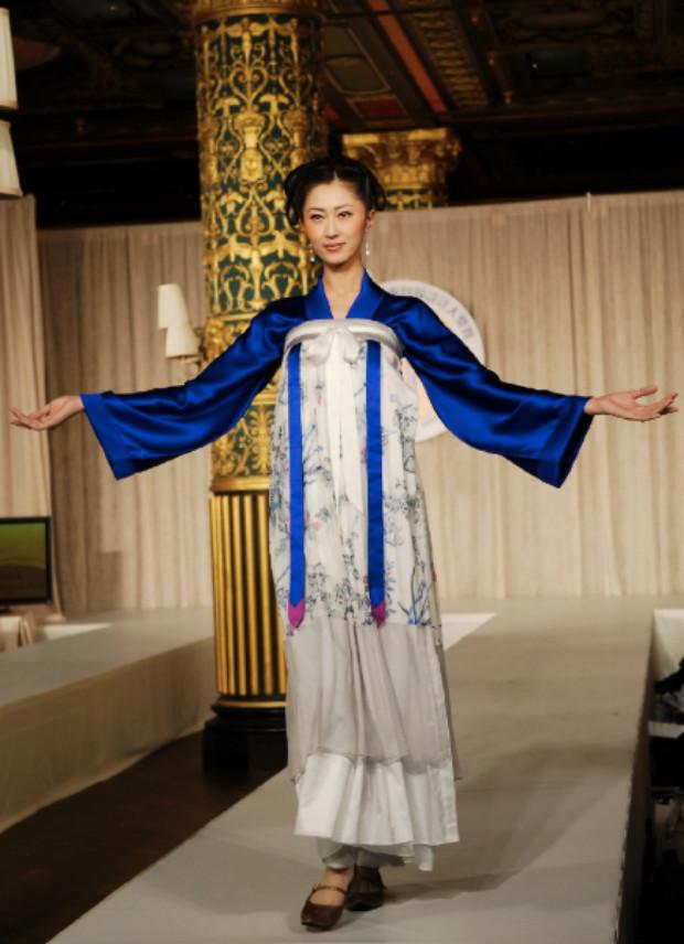 Vestido estilo Tang (©Epoch Times | Dai Bing)