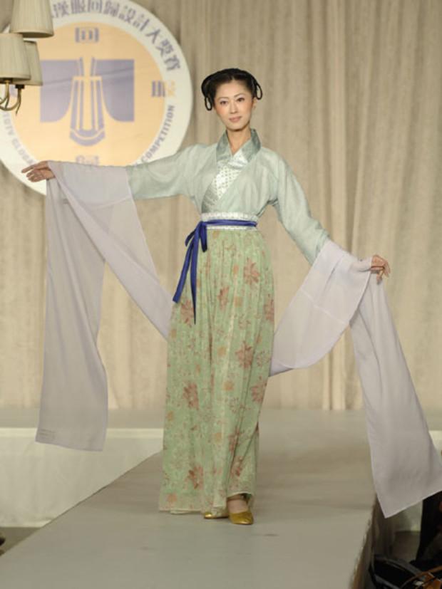 Vestido estilo Song (©Epoch Times | Dai Bing)