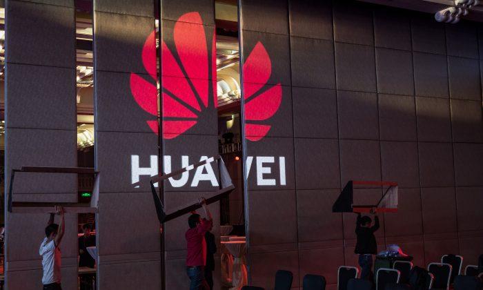 Trump assina decreto para proteger redes de telecomunicações dos EUA, pavimentando caminho para banimento da Huawei