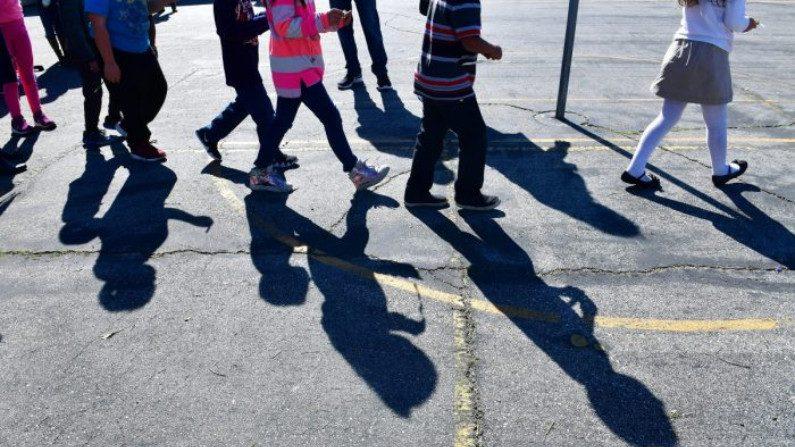 Califórnia avança com novo currículo de educação sexual apesar de objeções