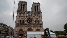 """Macron quer reconstruir uma Notre Dame """"diversificada"""" com um minarete islâmico"""