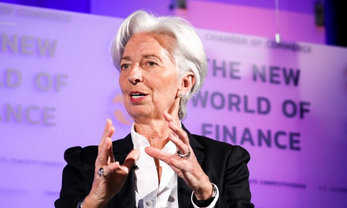 Guerra comercial freia crescimento econômico mundial, alerta presidente do FMI
